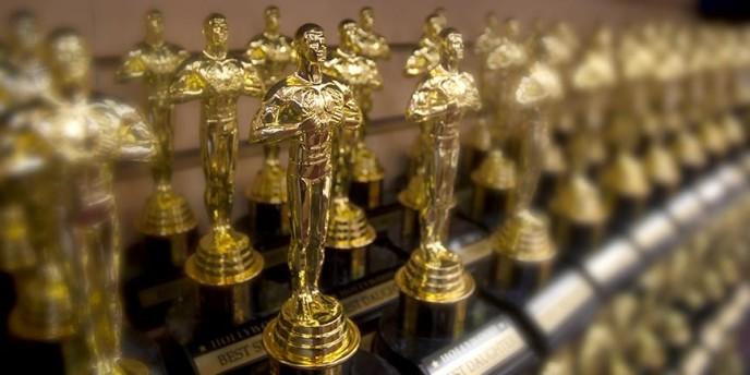 Best Oscar type Statues Hollyowwd